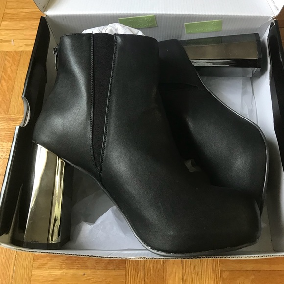 platform heel bootie